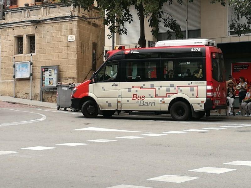 kleiner bus zum tibidabo barcelona