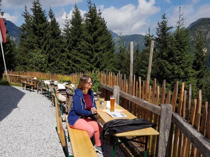 essen und trinken auf der rodlhütte pertisau